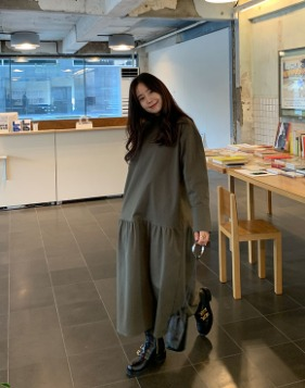 * 공구 진행 중 * [Shortbutstunning]  Flare Maxi Dress
